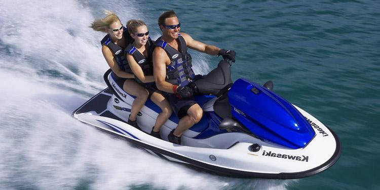 Pilotez un jetski grâce au permis côtier !